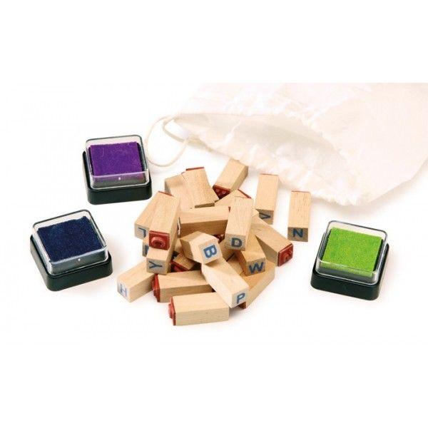 Set timbri «Lettere»   Con questi timbri in legno da 3 x 1 cm si possono scrivere in stampatello piccole parole, monogrammi...