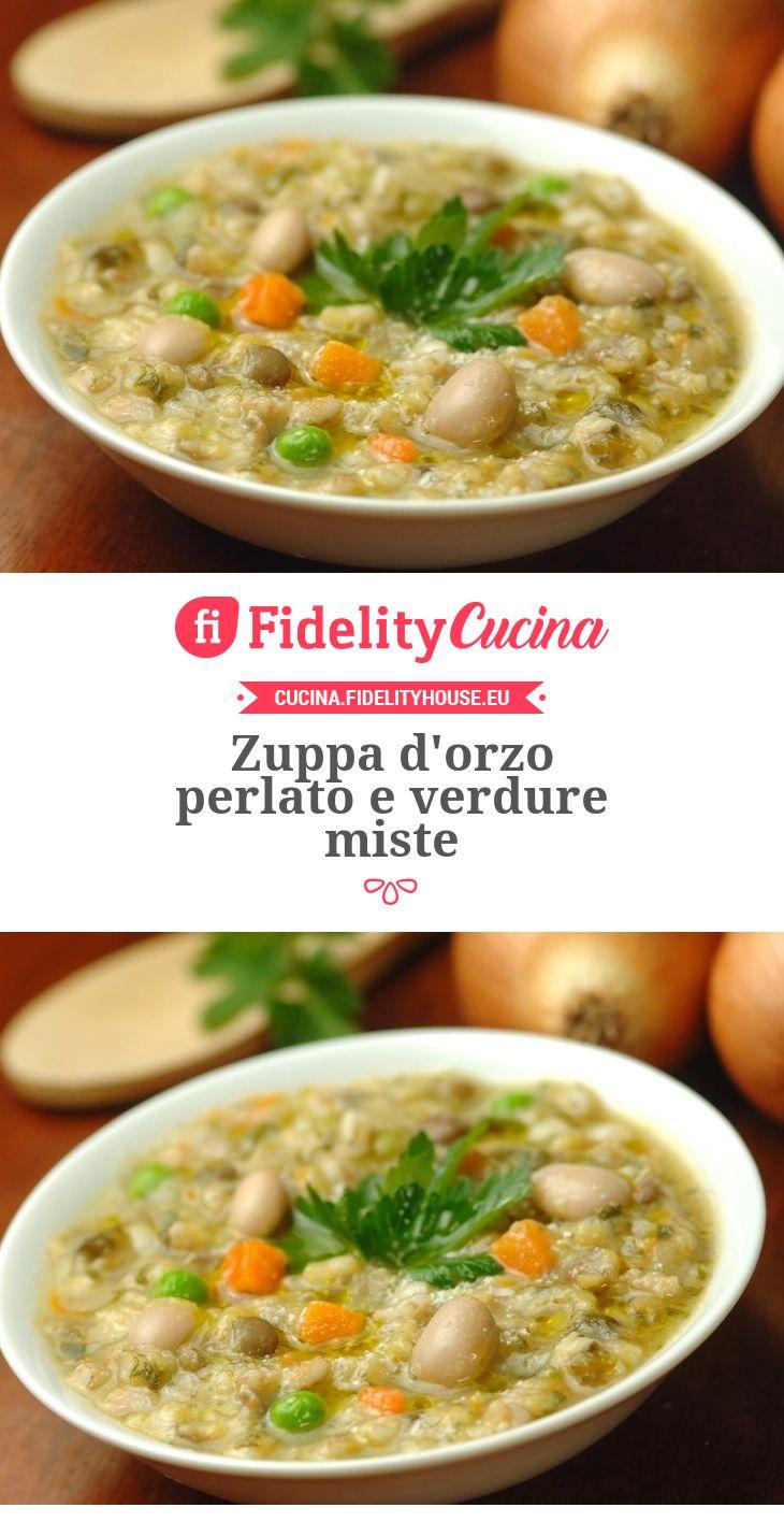 Zuppa d'orzo perlato e verdure miste