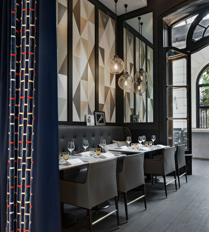 Stylish exclusive italian restaurant in classic interior