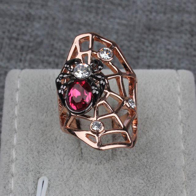 Halloween Dom Anel Cor de Rosa de Ouro Jóia Animal Exagerada Anéis de Cristal Rhinestone Aranha Teia De Aranha Para As Mulheres