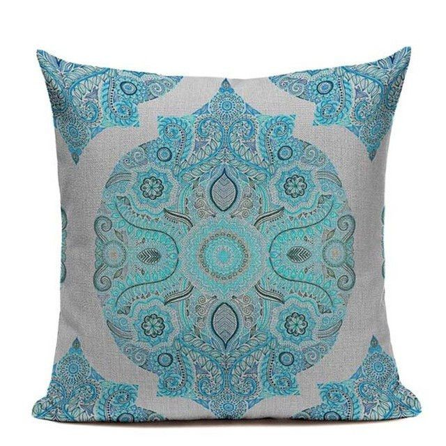 Cute Bohemian Throw Pillows : Best 25+ Mandala throw ideas on Pinterest Tapestry bedding, Red tapestry and Tapestry bedroom