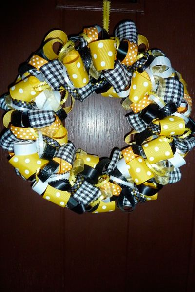 diy ribbon wreath | Quad City Moms Blog