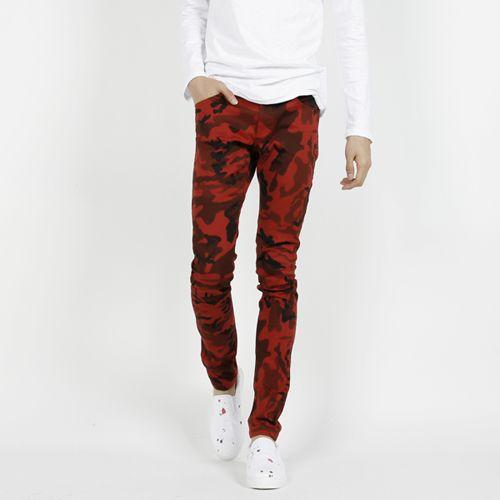 Today's Hot Pick :ビビッドカモフラージュプリントスキニーパンツ http://fashionstylep.com/P0000HZA/polyma/out 伸縮性のあるコットン混紡素材を使ったカモフラージュパンツです。 タイトにフィットするタイプで脚長効果あり! ベーシックなカーキと、ヴィヴィッドなレッドの2色を展開しています。 シンプルなTシャツと合わせるだけでヴィンテージスタイルが完成。 秋冬にはブルゾンやスタジャンとのコーデがおすすめです。 ◆2色:レッド/カーキ