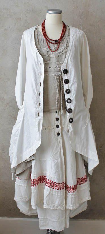 KOMBINATIONER - Östebro  Love the detail on the skirt.