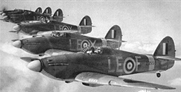 242-squadron-hurricanes-copy-w640h480.jpg (611×313)
