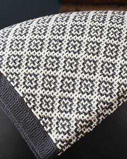 #29 Welsh Blanket by Debbie Bliss mosaic knitting