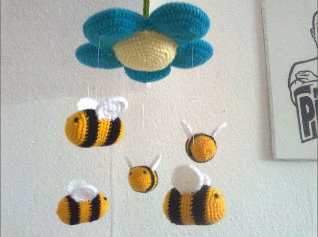 Mobile - Baby Mobile Bienen - ein Designerstück von steffimon bei DaWanda