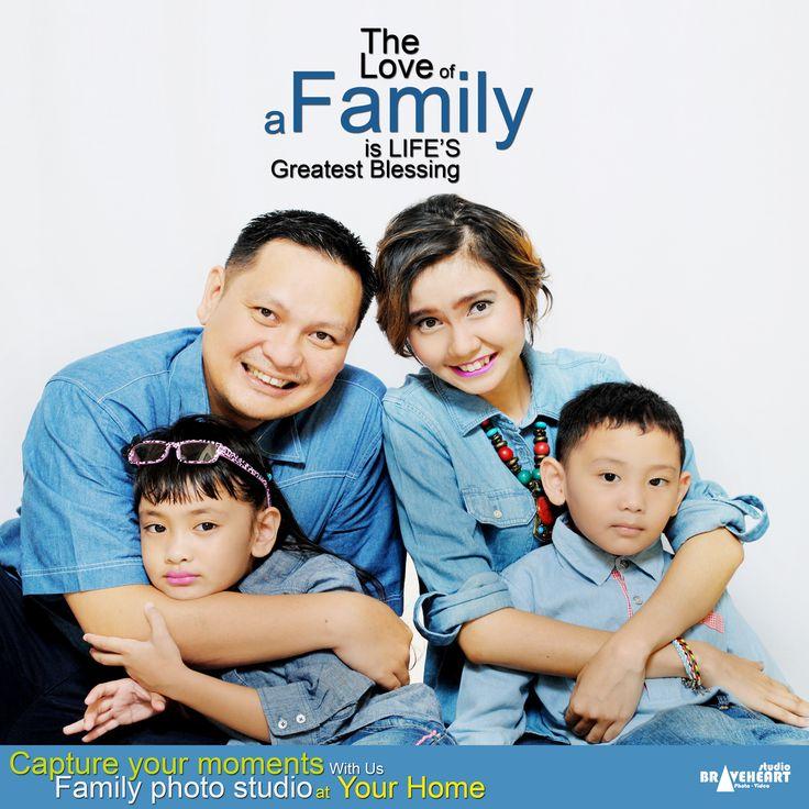 Capture your moments with us family photo studio at your home. GAK PUNYA WAKTU UNTUK FOTO DI STUDIO? ATAU REPOT HARUS KELUAR RUMAH? BRAVEHEART FOTO STUDIO SIAP MELAYANI FOTO KELUARGA DI RUMAH ANDA LAYAKNYA SEBUAH STUDIO DIRUMAH. Jangan sampai anda lewatkan keindahan bersama keluarga tercinta. Informasi dan Registrasi Hubungi : Tlp/Whatsapp 0812 862 656 19