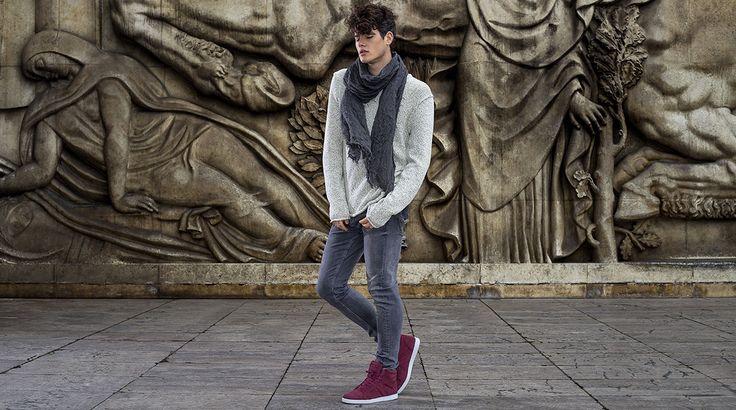 VO7 Newton Velvet Wine: chic et envoûtante... #vo7shoes #vo7 #kotd #hightops #basketsmontantes #PalaisdeTokyo #sculptures #art #fashion #mode #homme #style #ootd #Paris