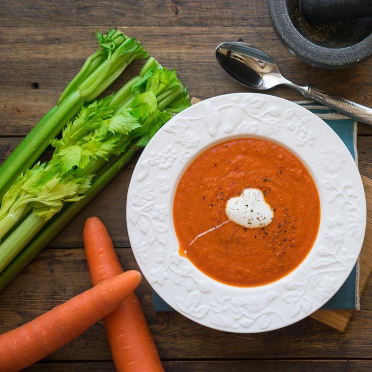 Суп-пюре из запечённых перцев | Процедура подготовки перцев для супа не слишком долгая, а усилий вообще не требует, тем ценнее этот рецепт.