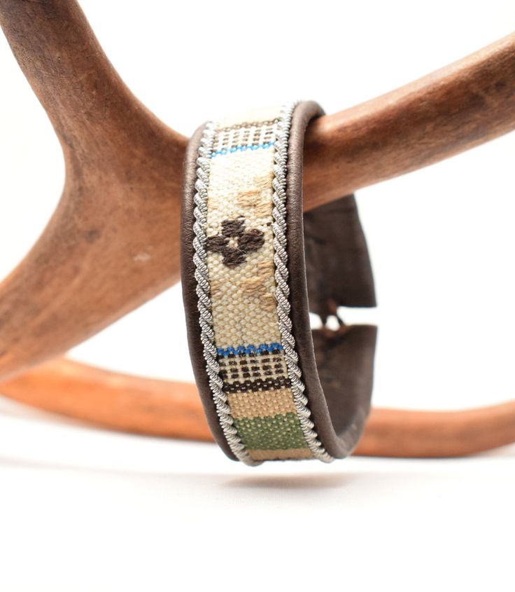 Swedish Sami Bracelet of pewter thread with 4 % silver, and reindeer leather…