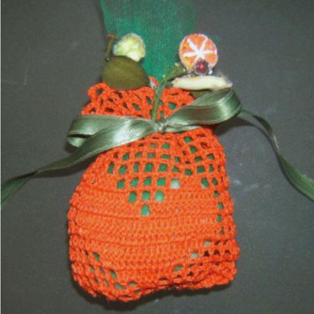 Sacchetto con cuore all'uncinetto bomboniere  #bomboniere uncinetto #sacchetto portaconfetti #portaconfetti #sacchetto uncinetto #crochet