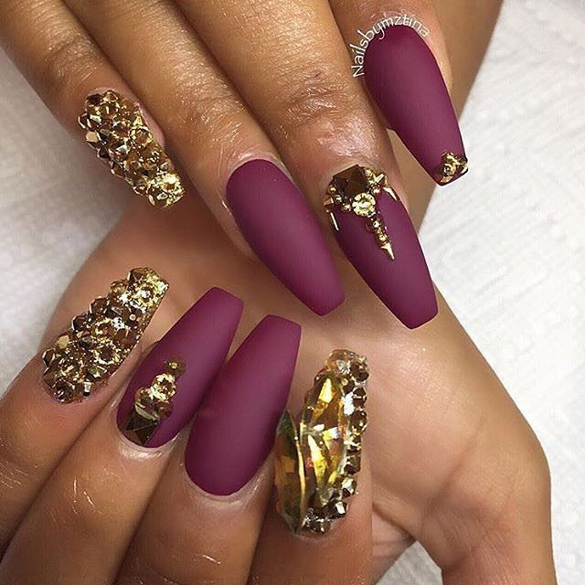 #nailinspiration Gorgeous nails, Yay or Nay? #nails #nailfashion #nailcoor #rednails #nailart #selfie #gorgeous #pretty #beauty #amazing #nailfashion #instagood