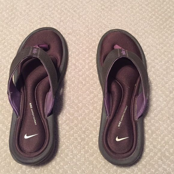 Nike Sandals Nike Sandal. Has a memory foam bottom. Size 8. Been Worn Few times. but in great condition. OFFER ME PRICES Nike Shoes Sandals