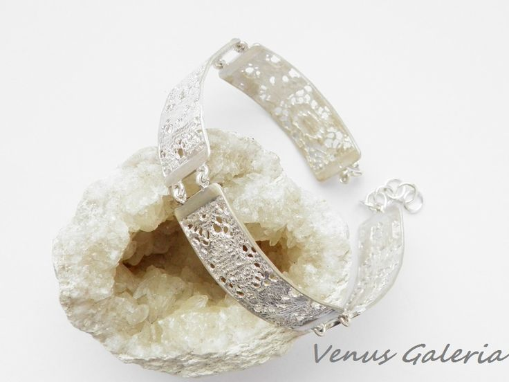 rebrna bransoletka - Delicate satin  w Venus Galeria na DaWanda.com