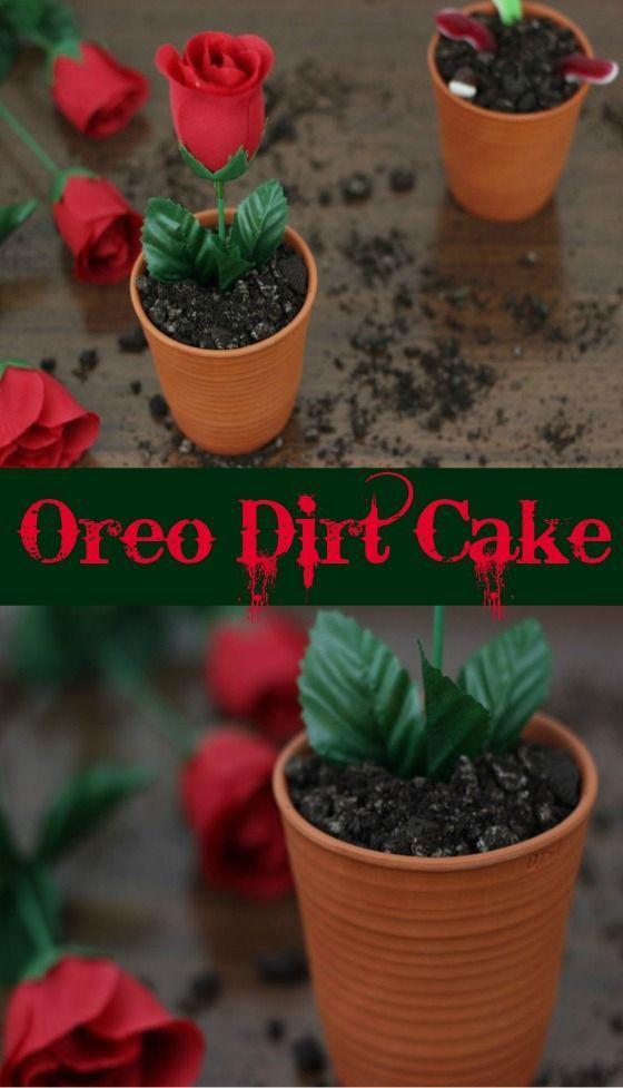 Dirt Cake mit Oreo Boden und einer Rose als Deko #Dirtcake #Oreo #Blumentopfkuchen http://www.the-inspiring-life.com/2016/04/food-abc-d-dirt-cake.html