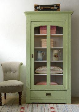 Green cabinett