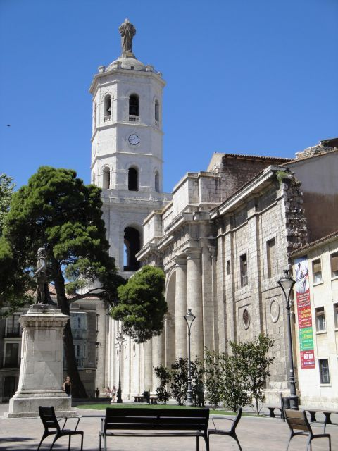 Catedral desde la Plaza de la Universidad