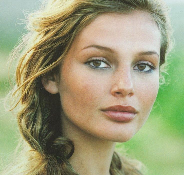 Brigitte Hall for Ralph Lauren 90's, Nude colors with navy smudged liner and stained lips.