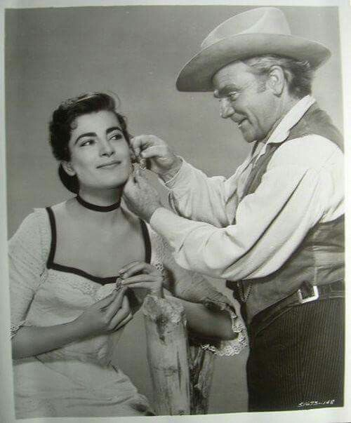 James Cagney, Those earrings!