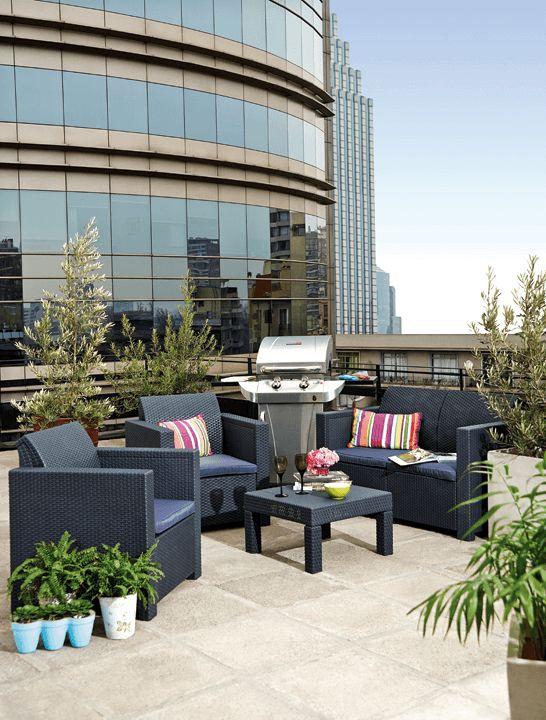 Un espacio urbano y moderno merece un juego de terraza a su altura. ¿Qué te parece un asado en este balcón? #Primavera #Deco #Terraza #EasyTienda #TiendaEasy #Living #Balcón #primaveraverano #cambiavivemejor