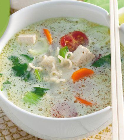 Recept voor noedelsoep met tofu, kokos en paksoi