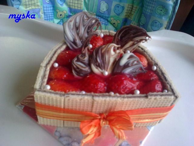 jahodový půlovál