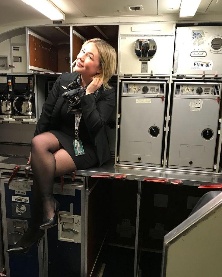 "1,071 Likes, 8 Comments - Angels Of Air (@angelsofair) on Instagram: ""✈✈✈✈✈✈✈✈✈ #best #women #angelsofair #flightattendant #flywithme #cabincrew #crewlife #stewardess…"""
