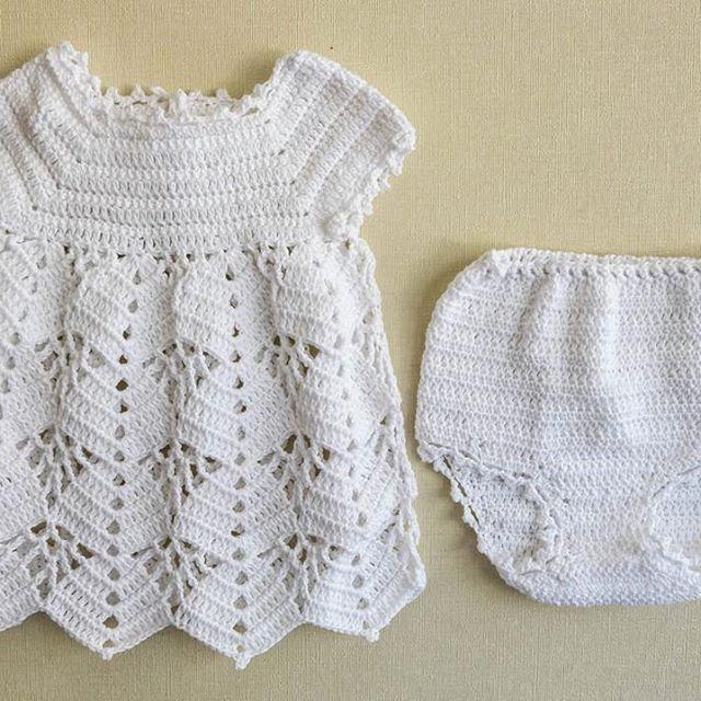 Para el calor, lo mejor es una vestido de hilo bien bien fresquito 🙏🏼👶🏽 #crochet #tejido #ropa #dress #hechoamano #baby #guagua