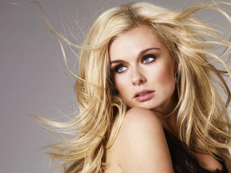 Blonde girl singers indies