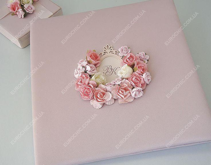 Гостевая книга Свадебная сказка в розовых тонах твердый переплет, форматы и цветовая палитра под заказ, дополнена ручкой на подставке от Шик Европейский