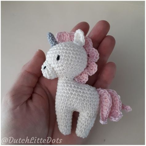 Gratis patroon mini eenhoorn rammelaar Nederlands vertaald, origineel van Ms.Eni dutchlittledots dutch little dots irenehaakt unicorn free crochet pattern rattle amigurumi