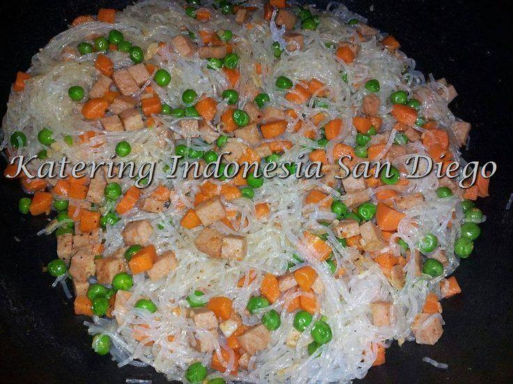 Glass Noodles For Indonesian's Empenada Filling/ Suun Untuk Isi Pastel Goreng.