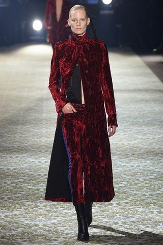 See the complete Haider Ackermann Fall 2016 Ready-to-Wear collection.