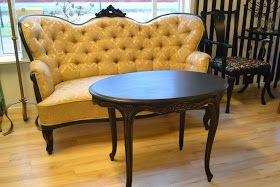 I Djurås...   Skrivbord i slitet svart med trä topp 63x127cm höjd 76cm 2500:-SÅLT                 Bord/soffbord rokoko i slitet svart 58x88...