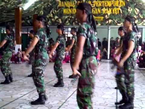 Dokumentasi lomba antar pos persiapan Satgas Pamtas RI PNG Yonif 721/Mks Ta. 2012/2013