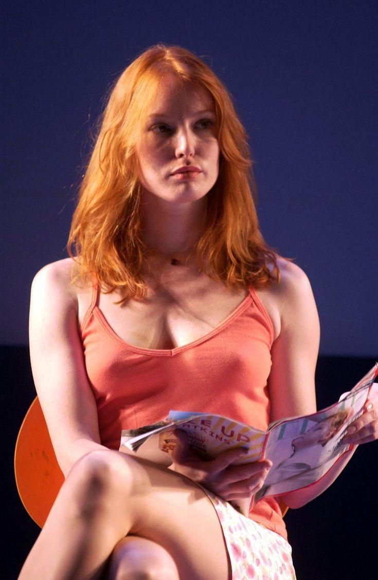 Alicia Witt Upskirt 70