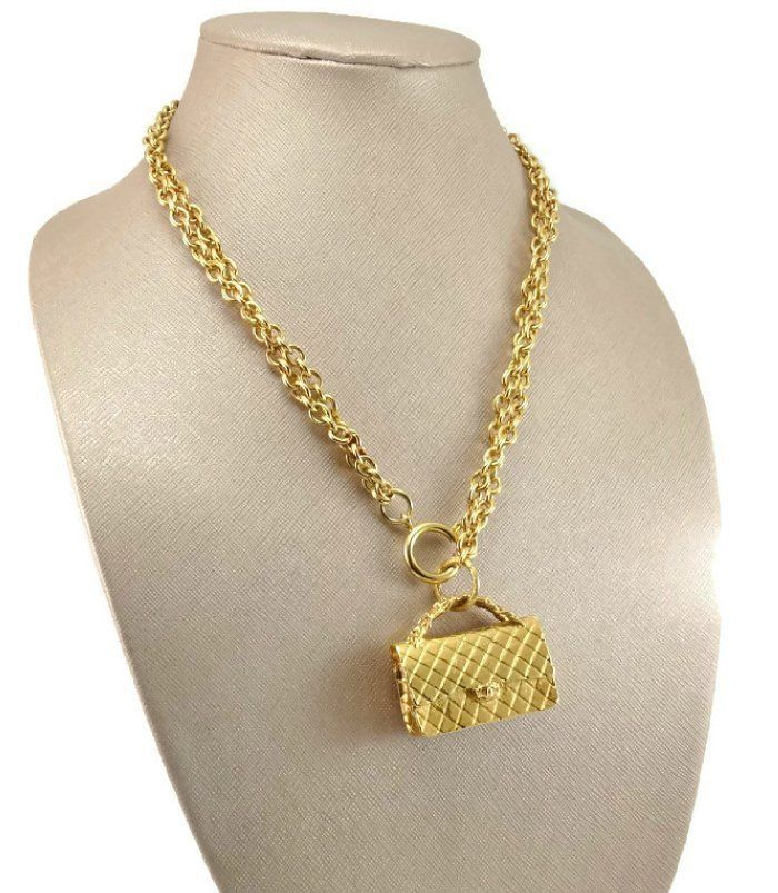 Vintage Early 80s CHANEL Classic 2.55 Handbag Double Chain Runway Necklace AUTH #CHANEL #Statement