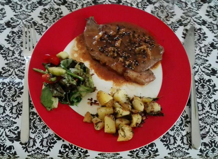 Bistecca al Gorgonzola e patate in umida