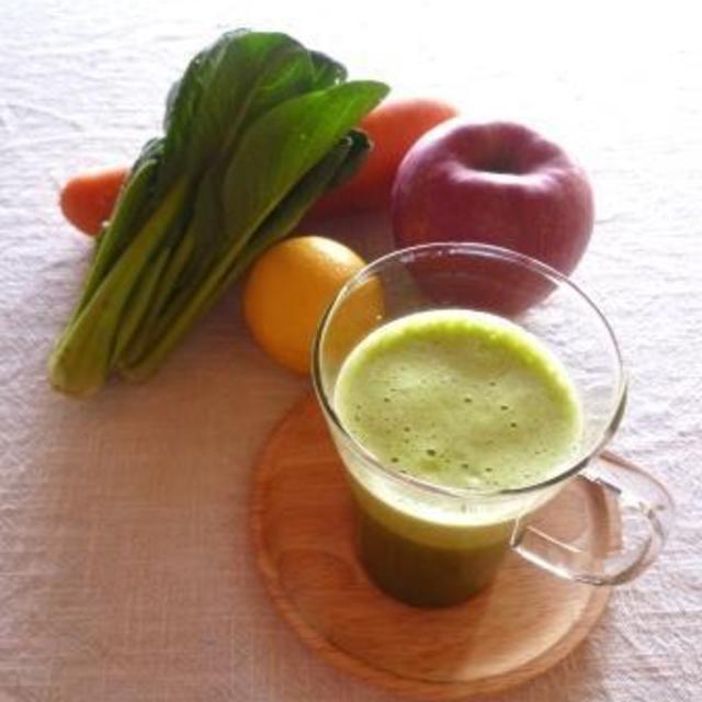 冬野菜とフルーツでグリーンスムージー