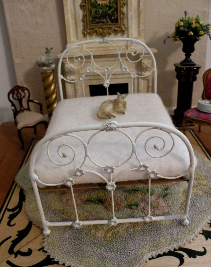 """Dollhouse Miniature Bed. Beautiful sculpted wire """"wrought"""