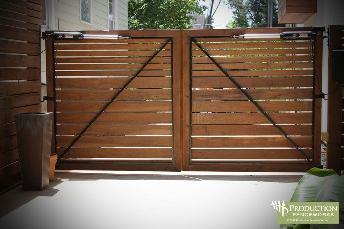 Wood fence double gate plans woodworking projects plans for Driveway gate plans