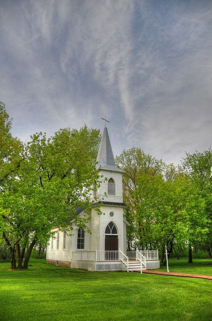 7. A lovely location  A lovely old country church  #modcloth   #wedding