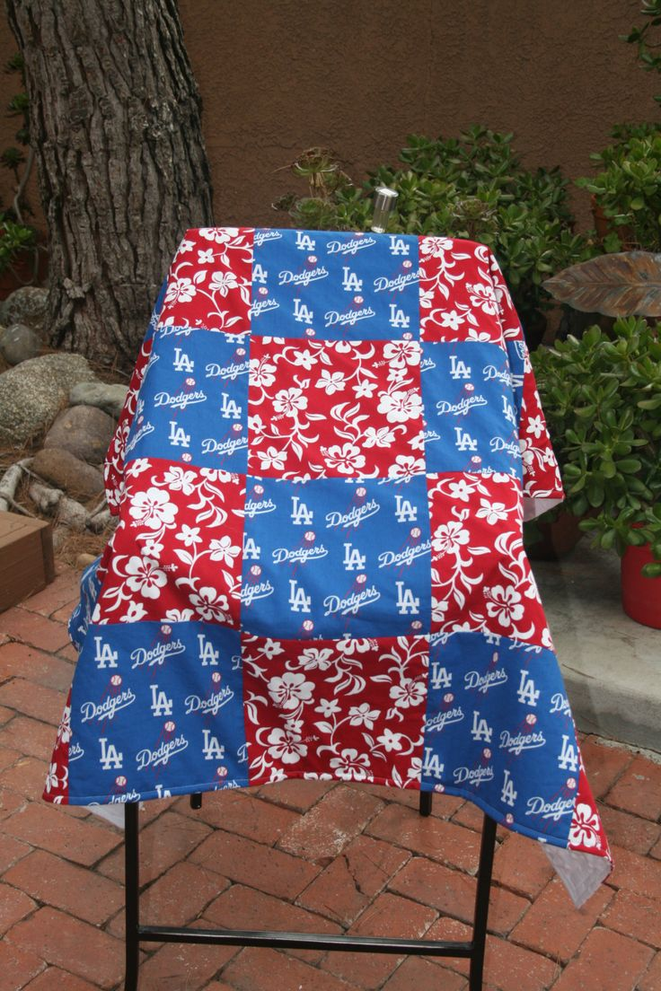 Sweet Swaddles Los Angeles Dodgers Hawaiian Baby Quilt