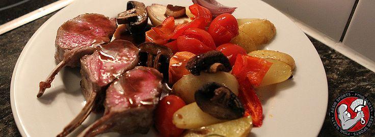 Rezept: Lammrack mit Balsamico Sauce & Ofenkartoffeln