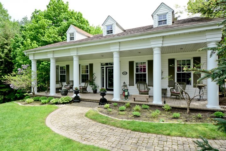 25 Best Ideas About Plantation Style Homes On Pinterest