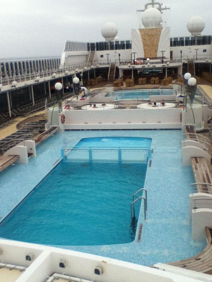MSC swimming pool