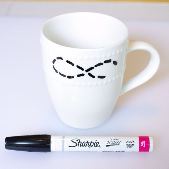 Make a Pretty Anchor Infinity Designed Mug | Guidecentral