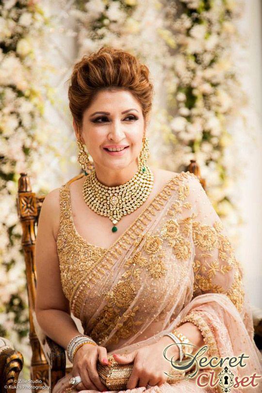 Mona Hasan saree alisha_hashmi_valima_4