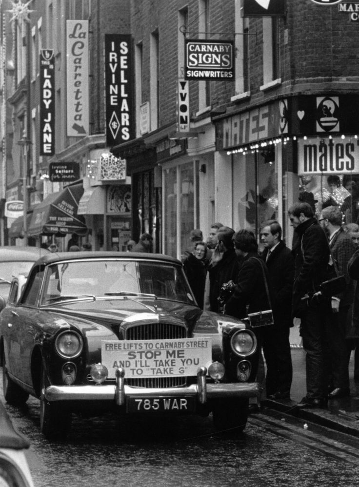 12 December 1967: A taxi offering free rides to Carnaby Street. | 14 Marvellous Photos Of Carnaby Street In The '60s